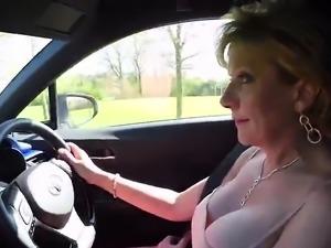 Cheating british mature lady sonia displays her big n42jjV
