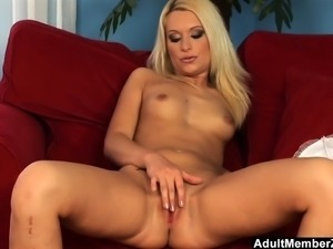 Hot Lingerie Babe Kitty Solo Fun