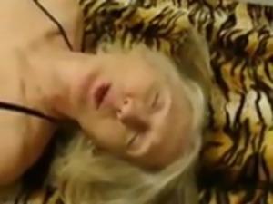 hairt mature slut sue palmer loves cock