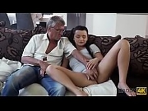 DADDY4K. Cumshot in mouth culminates nice sex of daddy and young girl