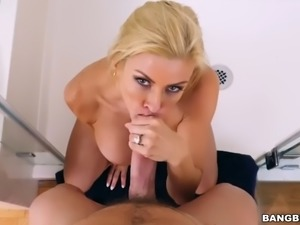 Alexis fawx squirts on huge dick
