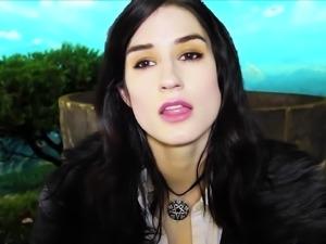Brunette masturbate webcam beautifull body