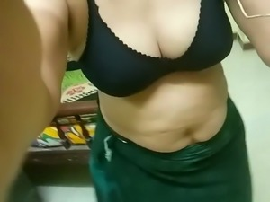 Tamil Mami Whatsapp Video Chat- With Audio-Part-4