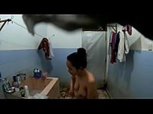 Ngintip Jilbab Indonesia Mandi Telanjang CCTV