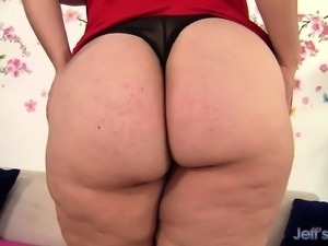 Sexy Fat Mom Angelina Plays with Herself