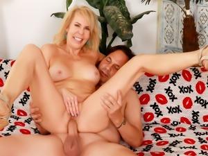Hot Granny Erica Lauren Spreads for Cock