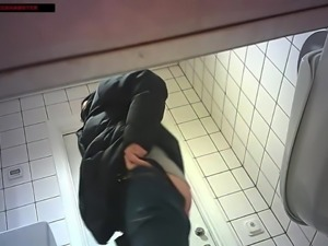 Toilet voyeur - Girl 10