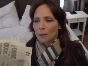 Beautiful Syren De Mer anal fuck