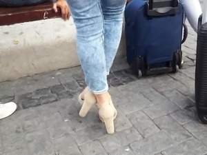 candid girl sexy feets red toes in heels