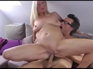 Sexy mature milf having a real orgasm with her photographer