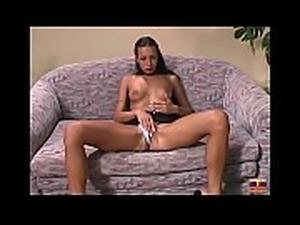 Babegirls teaser neg&atilde_o fodendo loira e morena