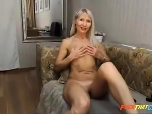 Gorgeous blonde milf plays and cums