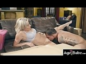 Brad Hart gropes Payton Hall&#039_s MIlf twat and pounded her nicely