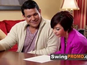 Swing Class opens his doors. Swinger TV